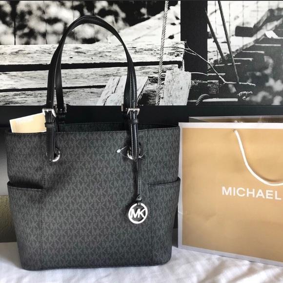 b143ac378f0 Michael Kors Bags   New Purse Handbag Mk Jet Set Bag   Poshmark